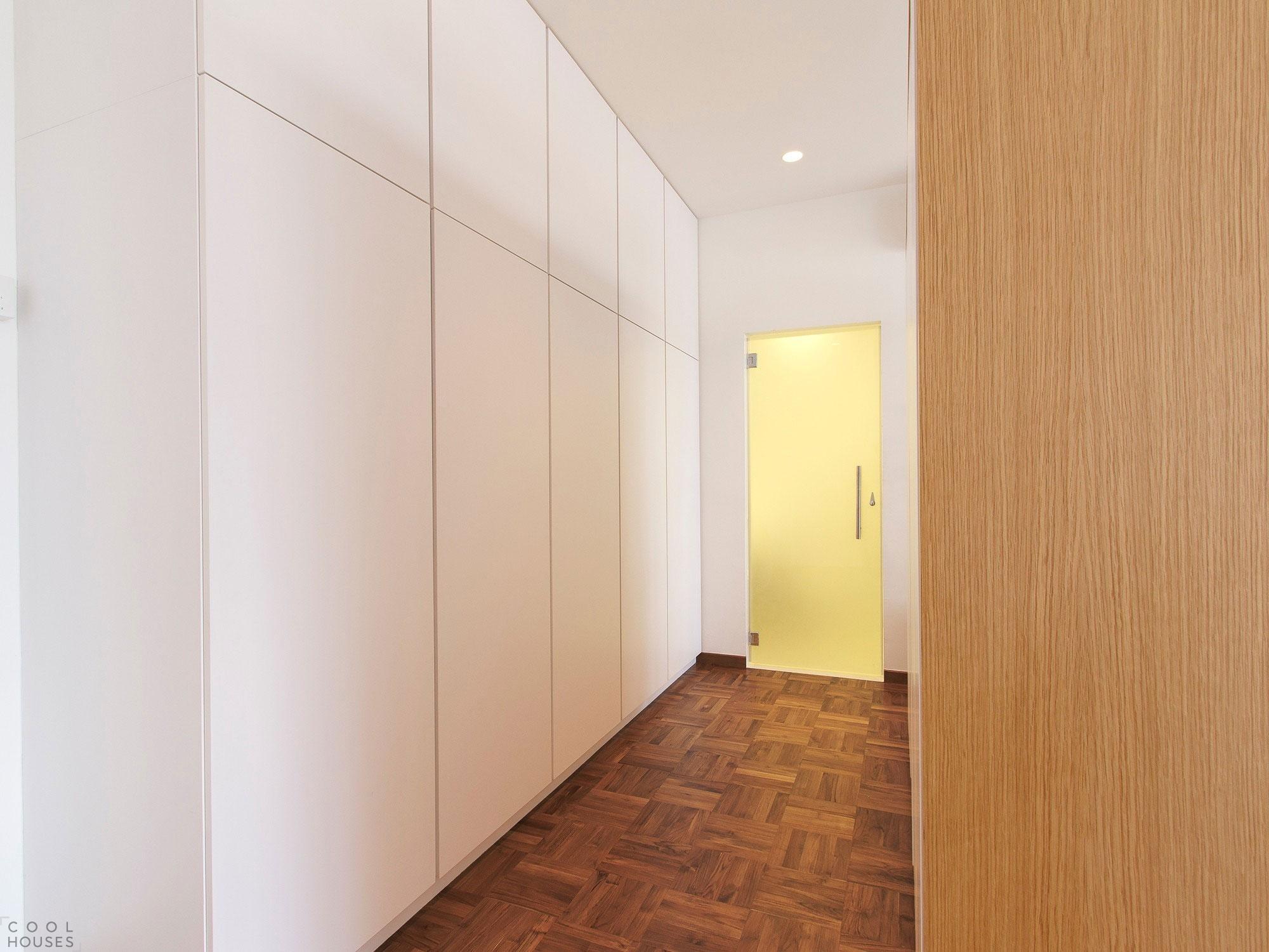 Квартира со светлым дизайном интерьера в Сингапуре