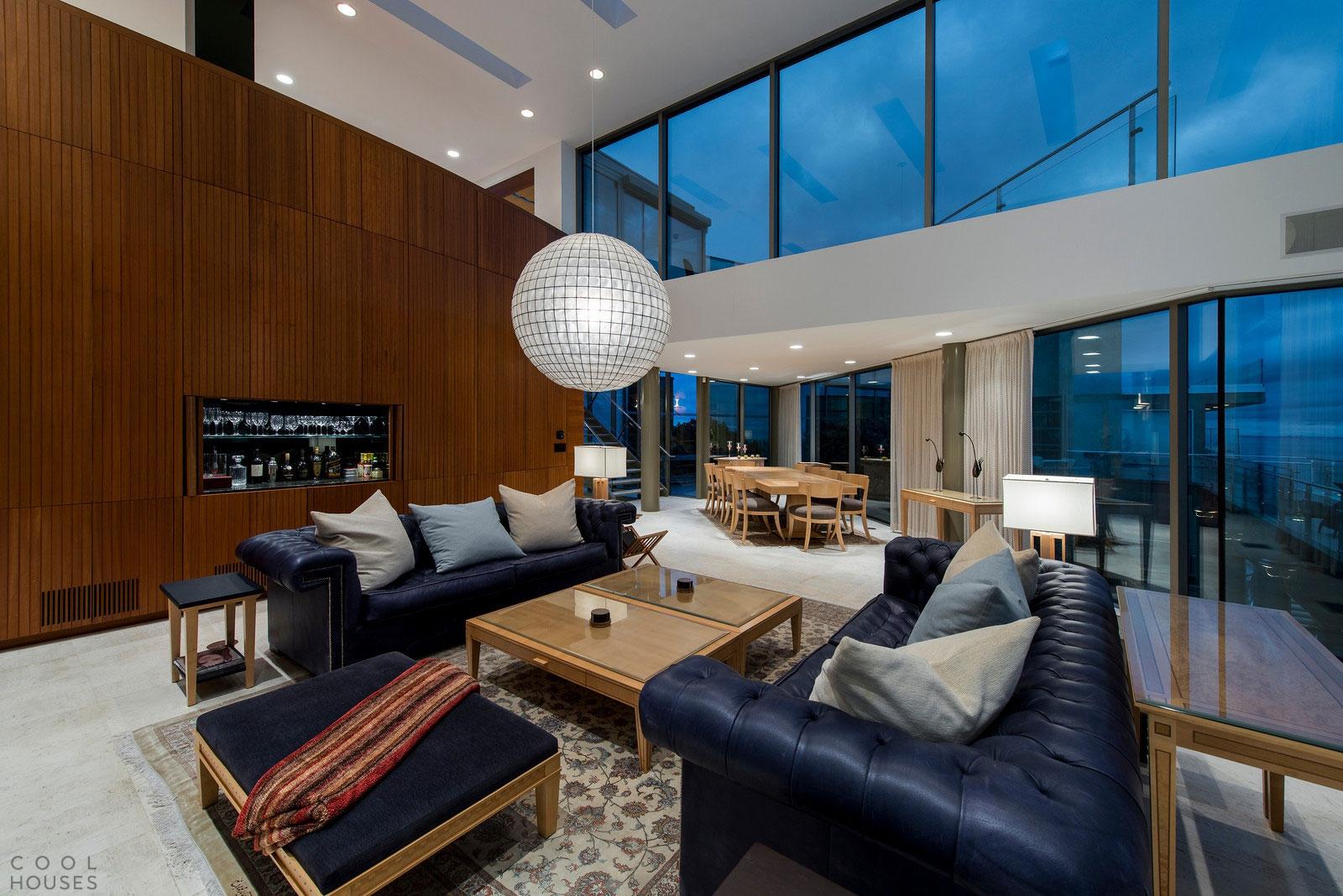Шикарный современный дом в Малибу, штат Калифорния