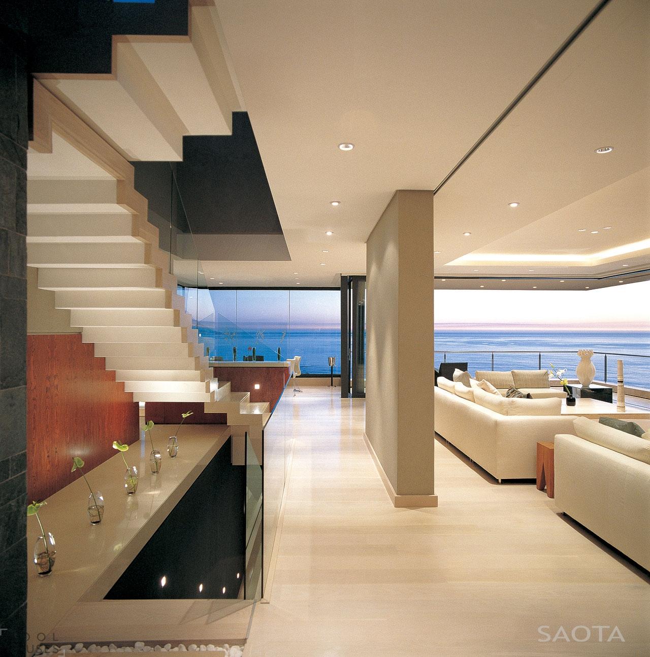 Шикарный трехэтажный особняк с видом на океан