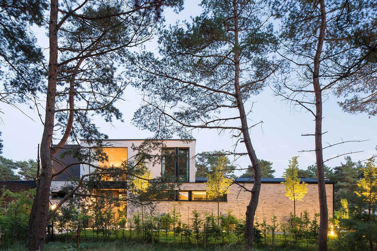 Современная хай-тек вилла на юге Швеции