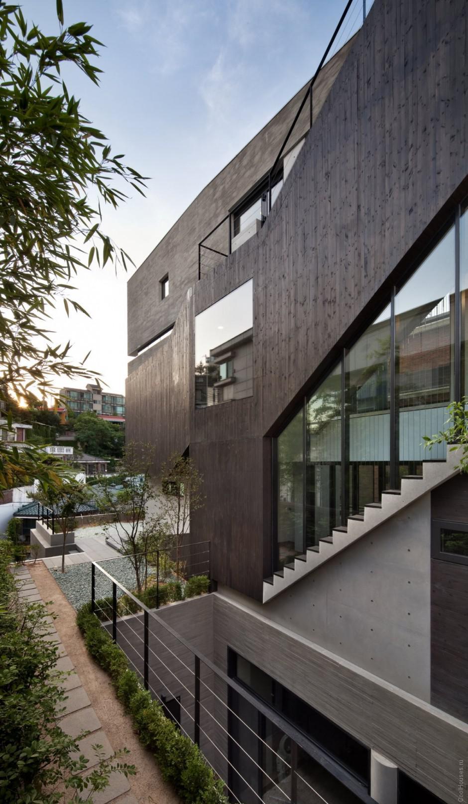 Высокий частный дом в Сеуле