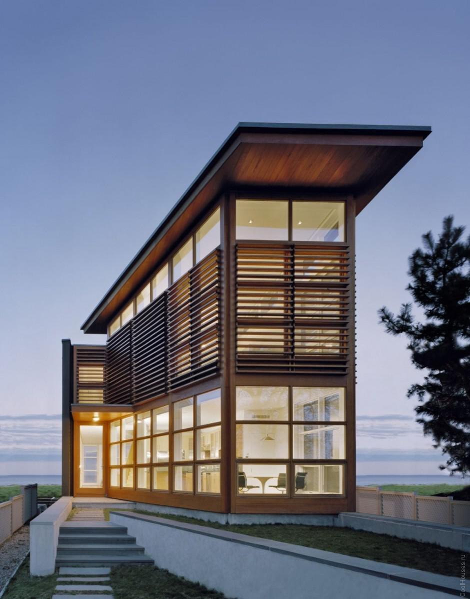Уютный дом на берегу океана