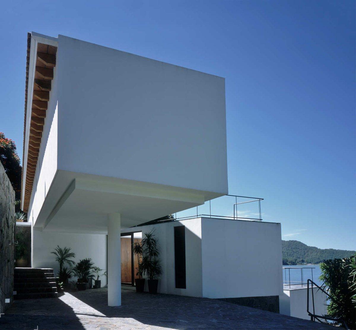 Дом Casa Diaz на холме в Мехико