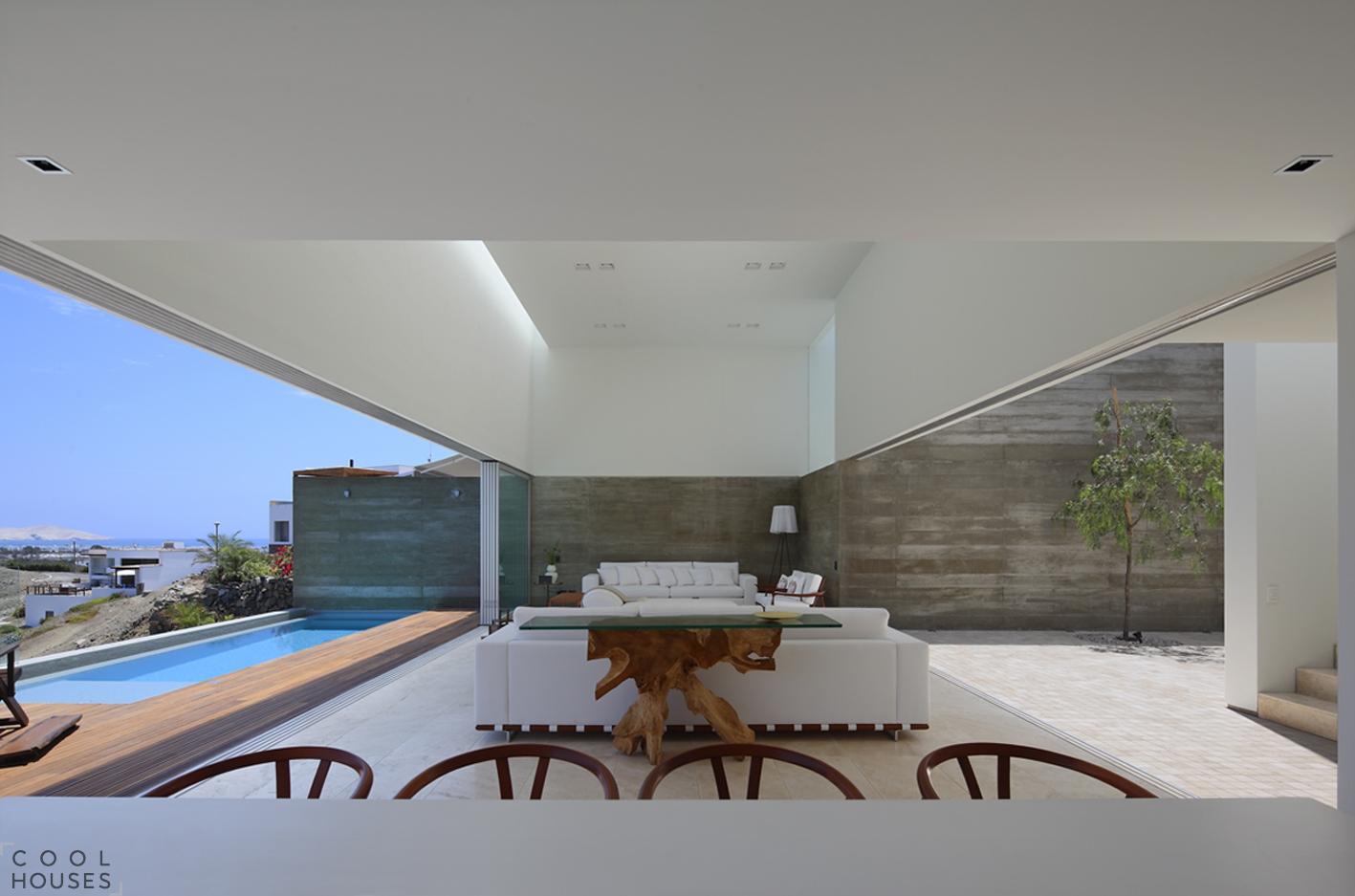 Современный дом в солнечном Перу