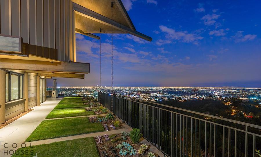 Звездный особняк в Лос-Анджелесе