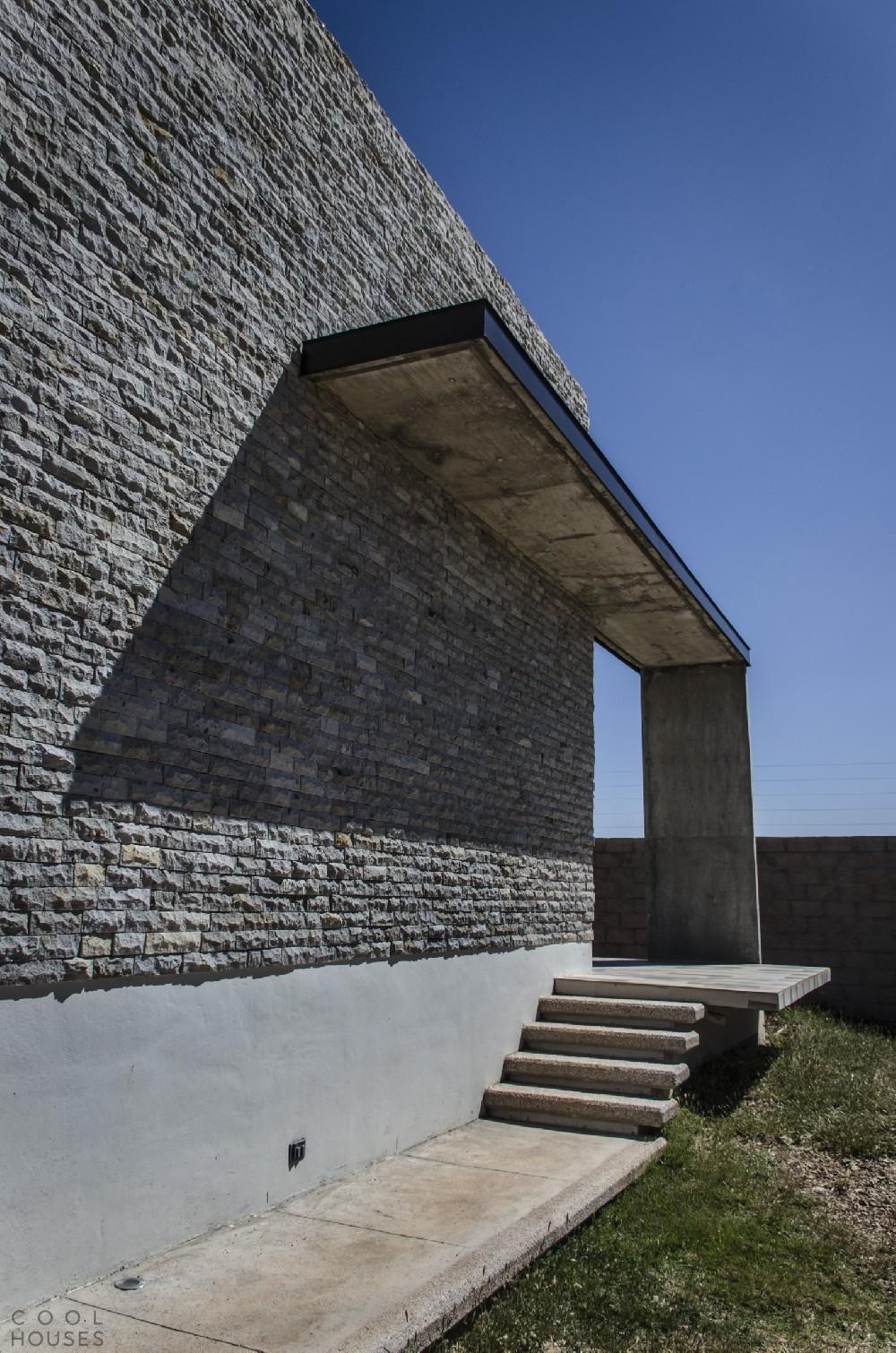Современный частный дом La Tomatina House в Агуаскальентес, Мексика