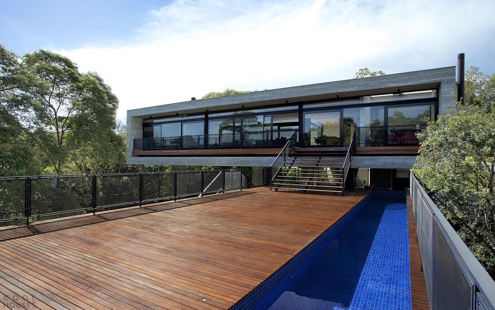 Современный дом LM Residence, построенный в 2008 году