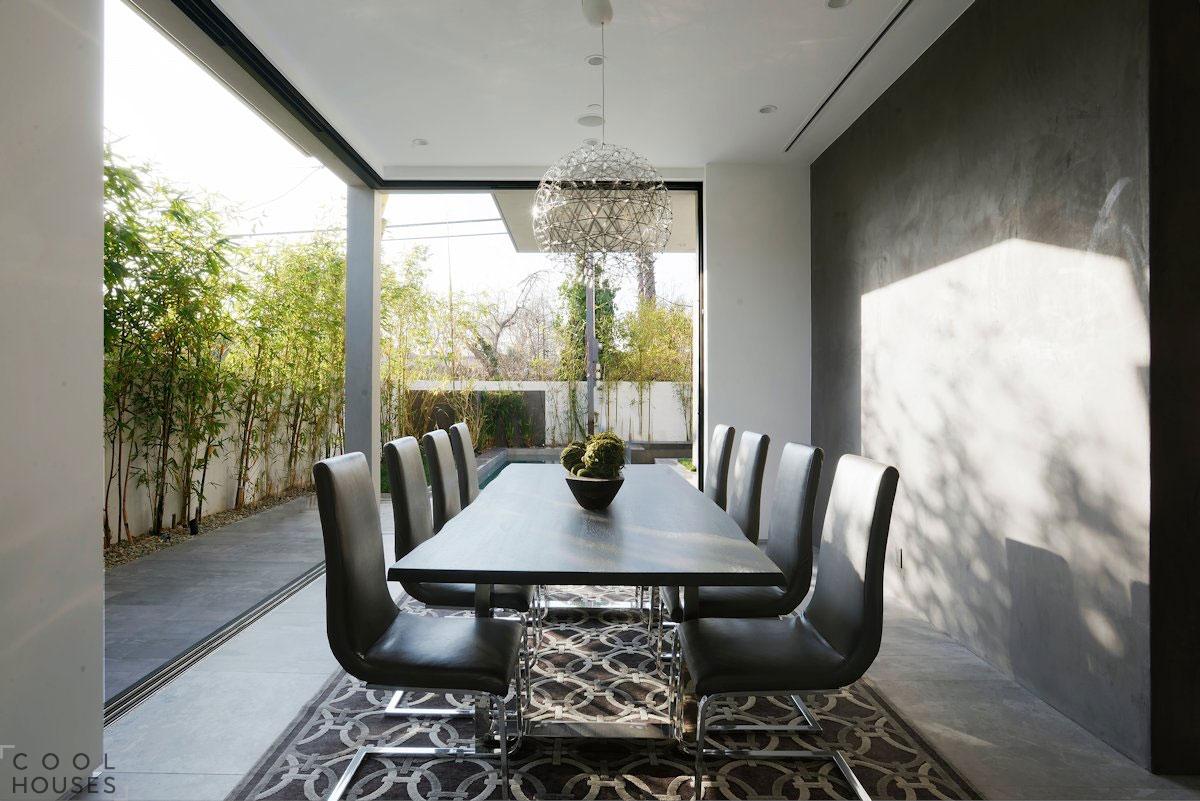 Элегантная вилла в Лос-Анджелесе с оригинальными дизайнерскими решениями
