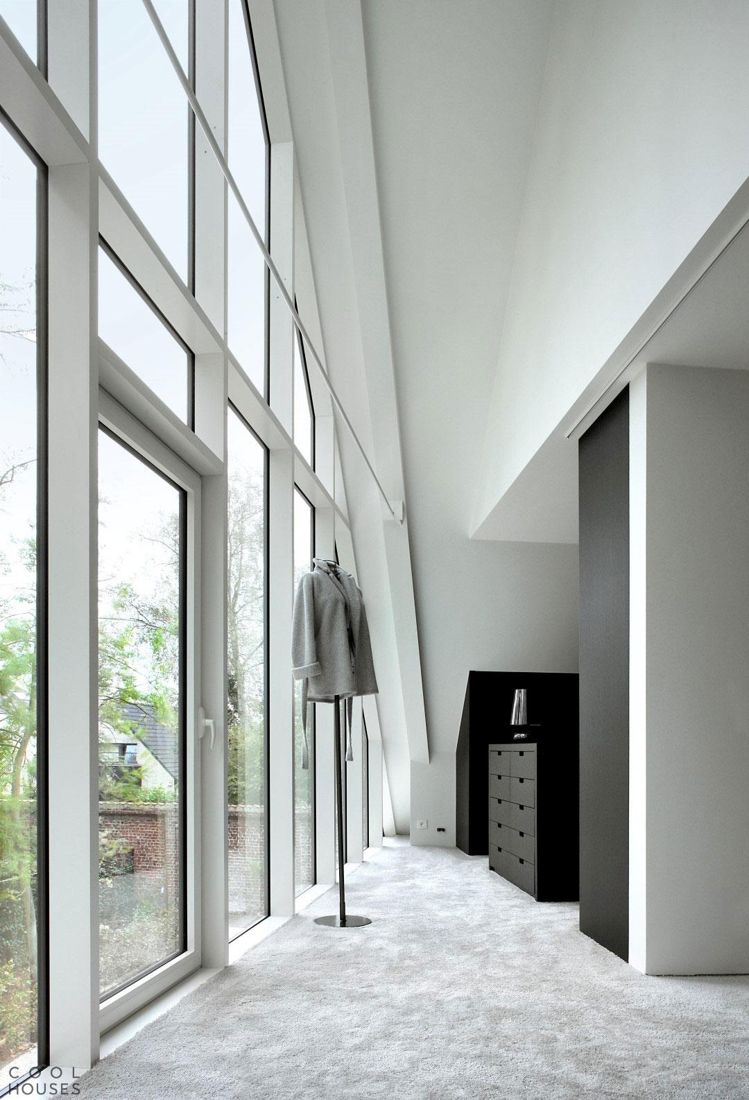 Современный сельский дом в Бельгии по проекту студии Graux & Baeyens