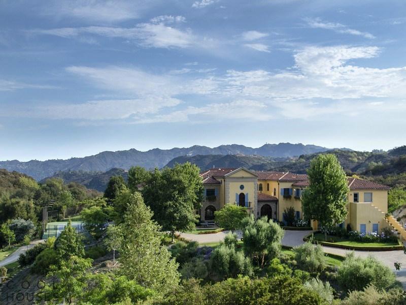 Уникальный особняк в Калифорнии с большой территорией