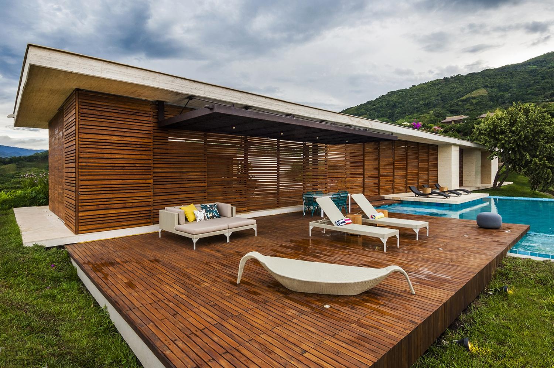 Загородная вилла в Бразилии в красивой местности