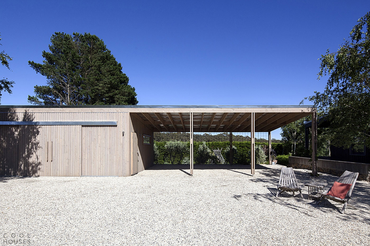 Современный сельский Дом с цоколем в Австралии