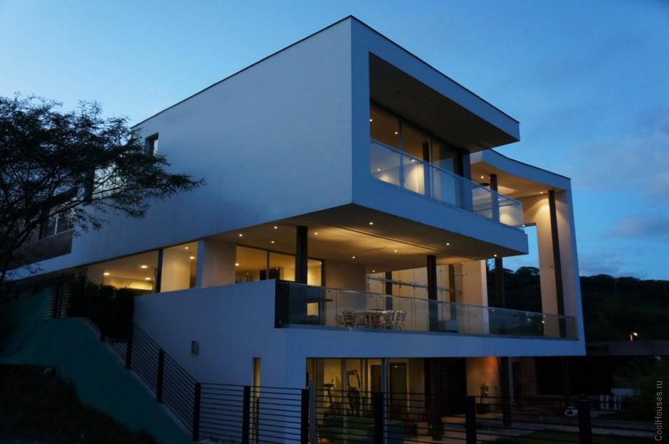 Современный частный дом в Эквадоре
