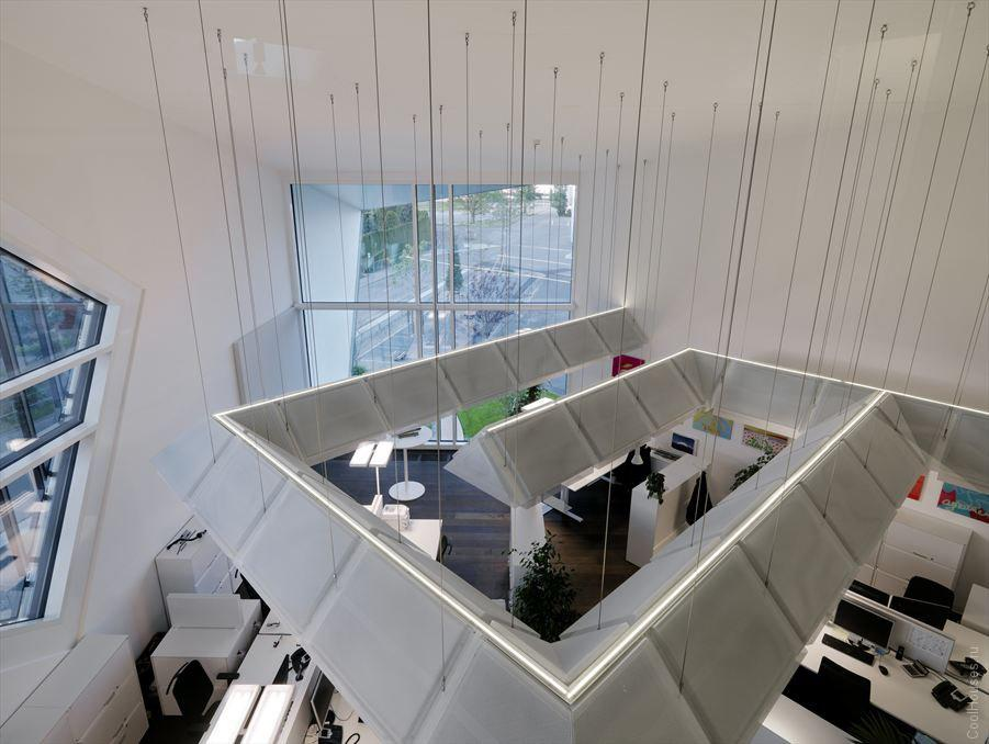Треугольный оригинальный офис