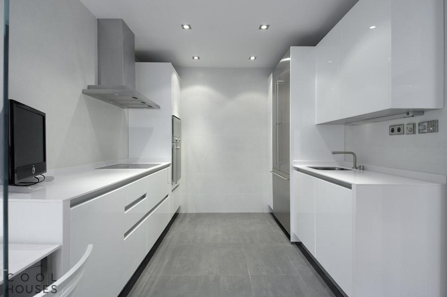 Большая двухъярусная квартира в Мадриде, от студии A-cero