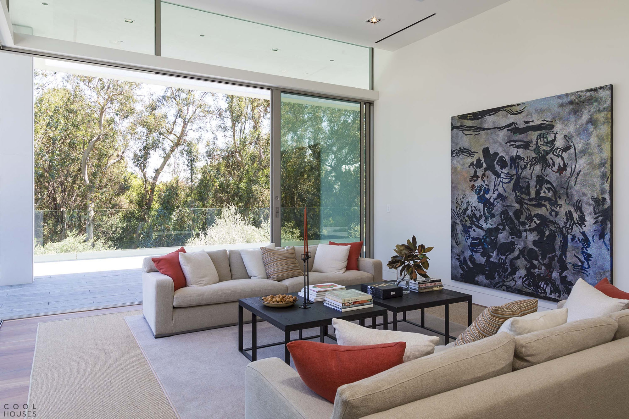 Роскошный особняк на Holmby Hills в Лос-Анджелесе