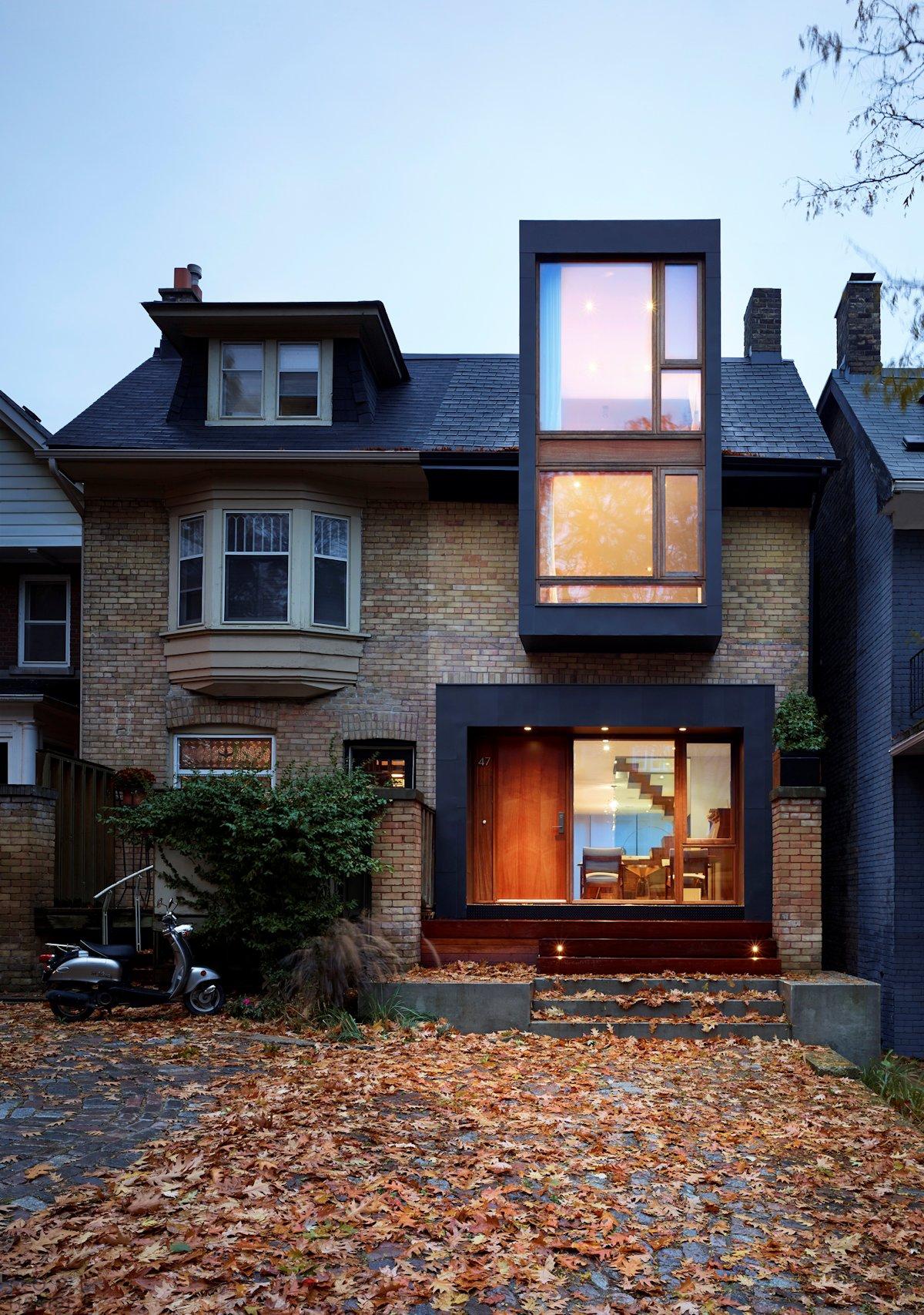 Современная реставрация старого дома в Торонто