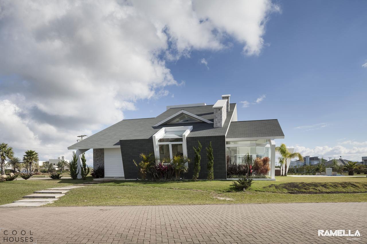 Современный частный дом в Бразилии