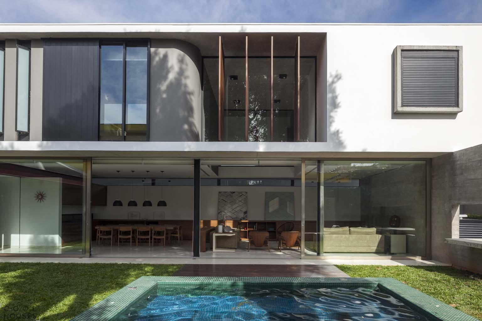 Современный загородный дом в Сан-Паулу от FCstudio