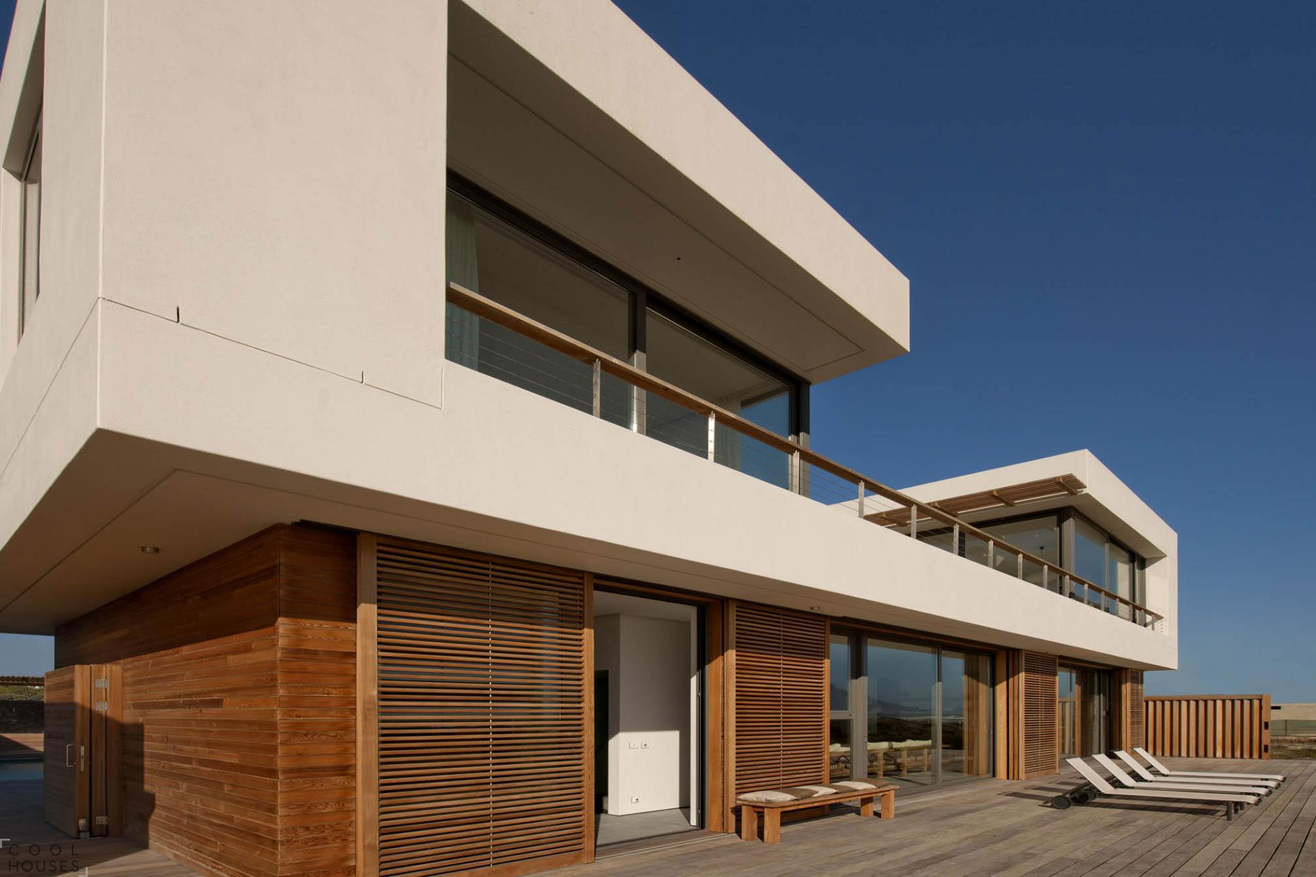 Светлый загородный дом с шикарным видом в Кейптауне