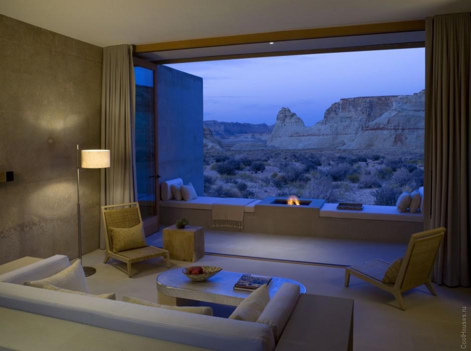 Шикарный отель в пустыне