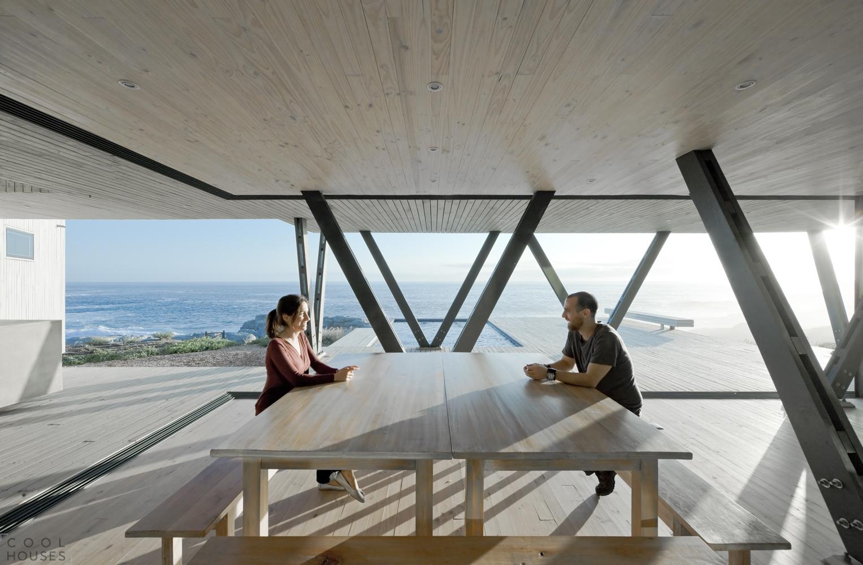 Дом для вечеринок на берегу океана в Чили