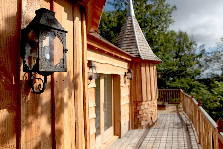 Романтический отель «Замок на деревьях» во Франции
