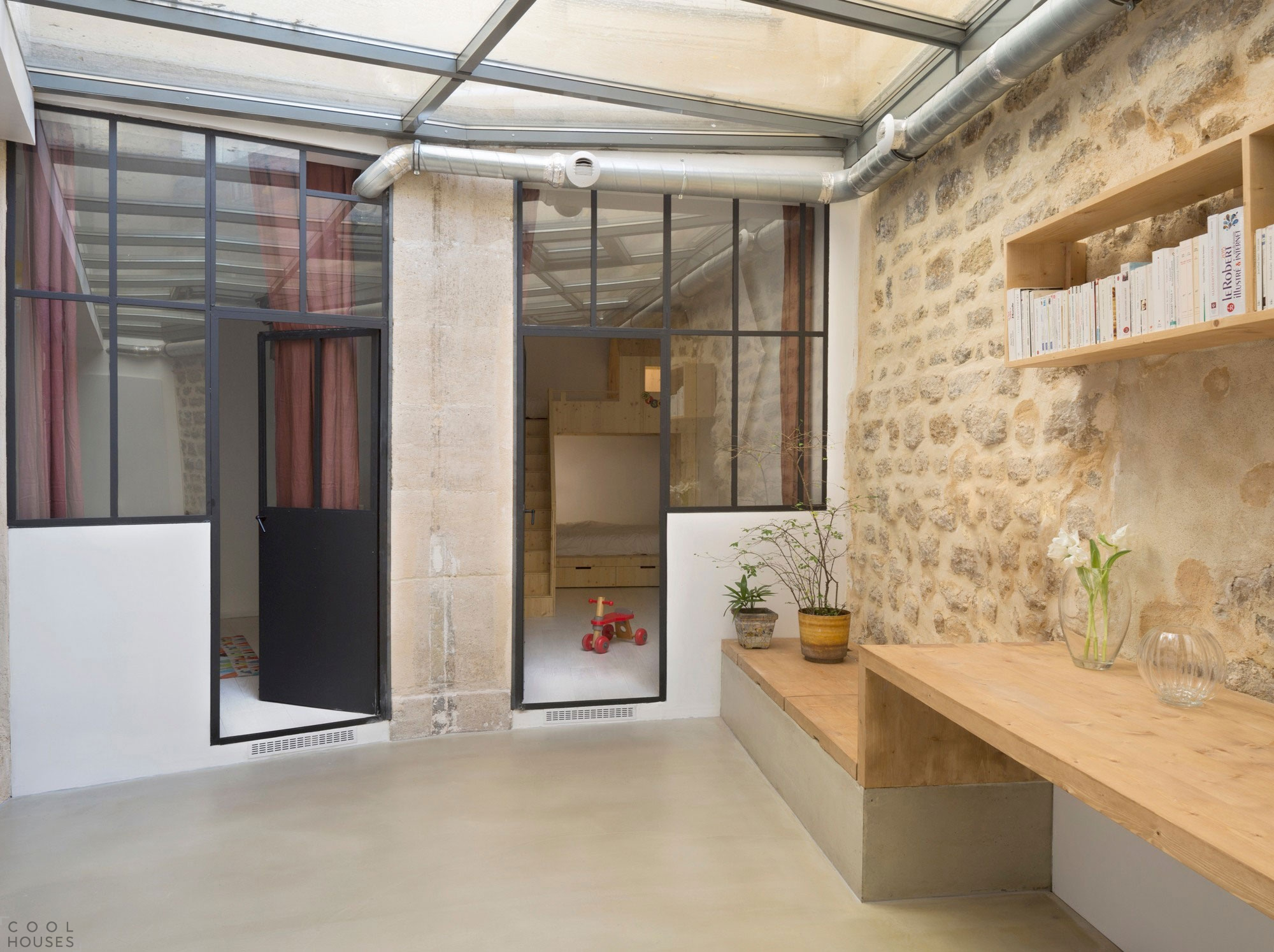 Оригинальный лофт в восточной части Парижа, Франция