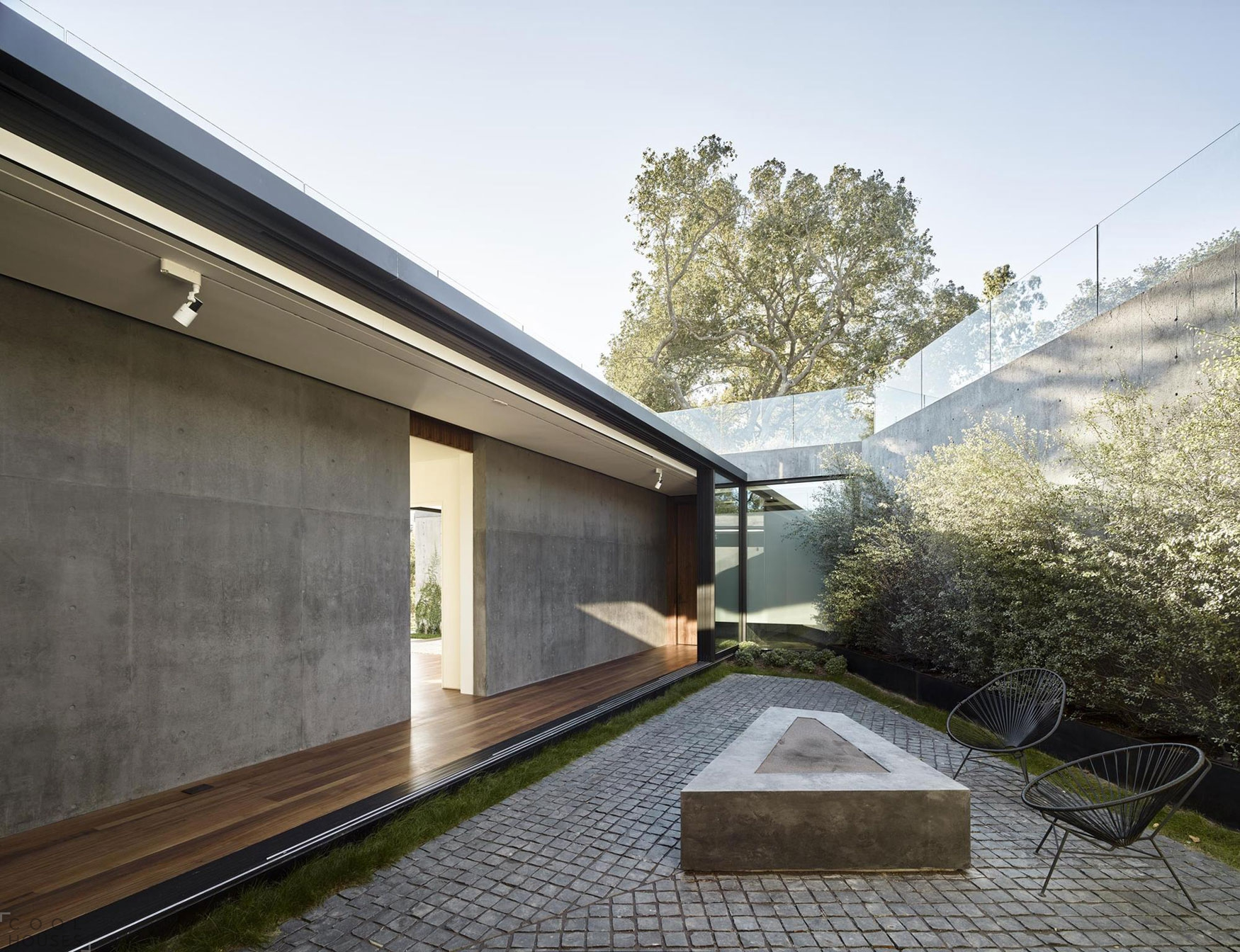 Потрясающая резиденция Oak Pass в окружении дубовой рощи в Беверли-Хиллз, штат Калифорния, США
