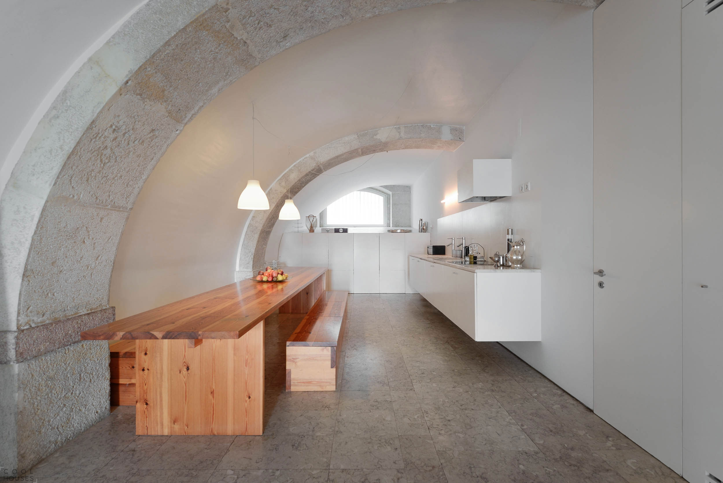 Потрясающий особняк, совмещающий элементы архитектуры 18 века с современным дизайном, в Лиссабоне, Португалия