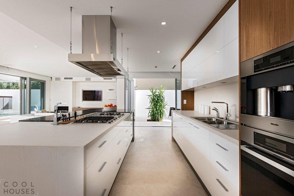 Современный частный дом для молодой семьи в Cottesloe, Австралия