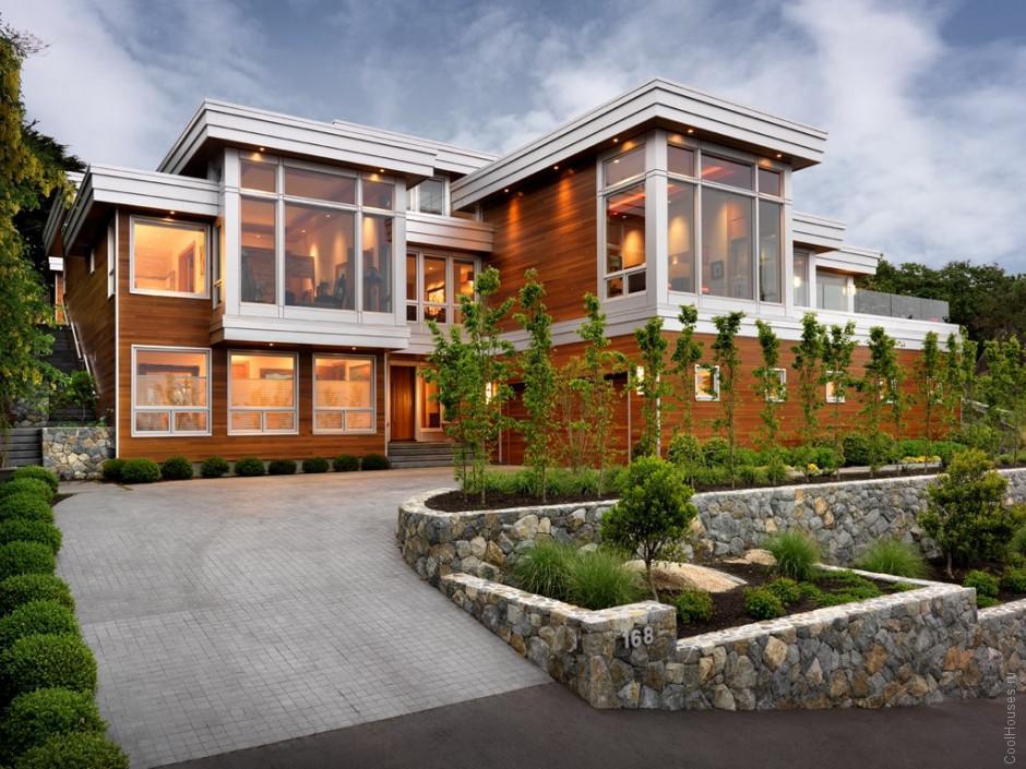 Огромный дом в Канаде