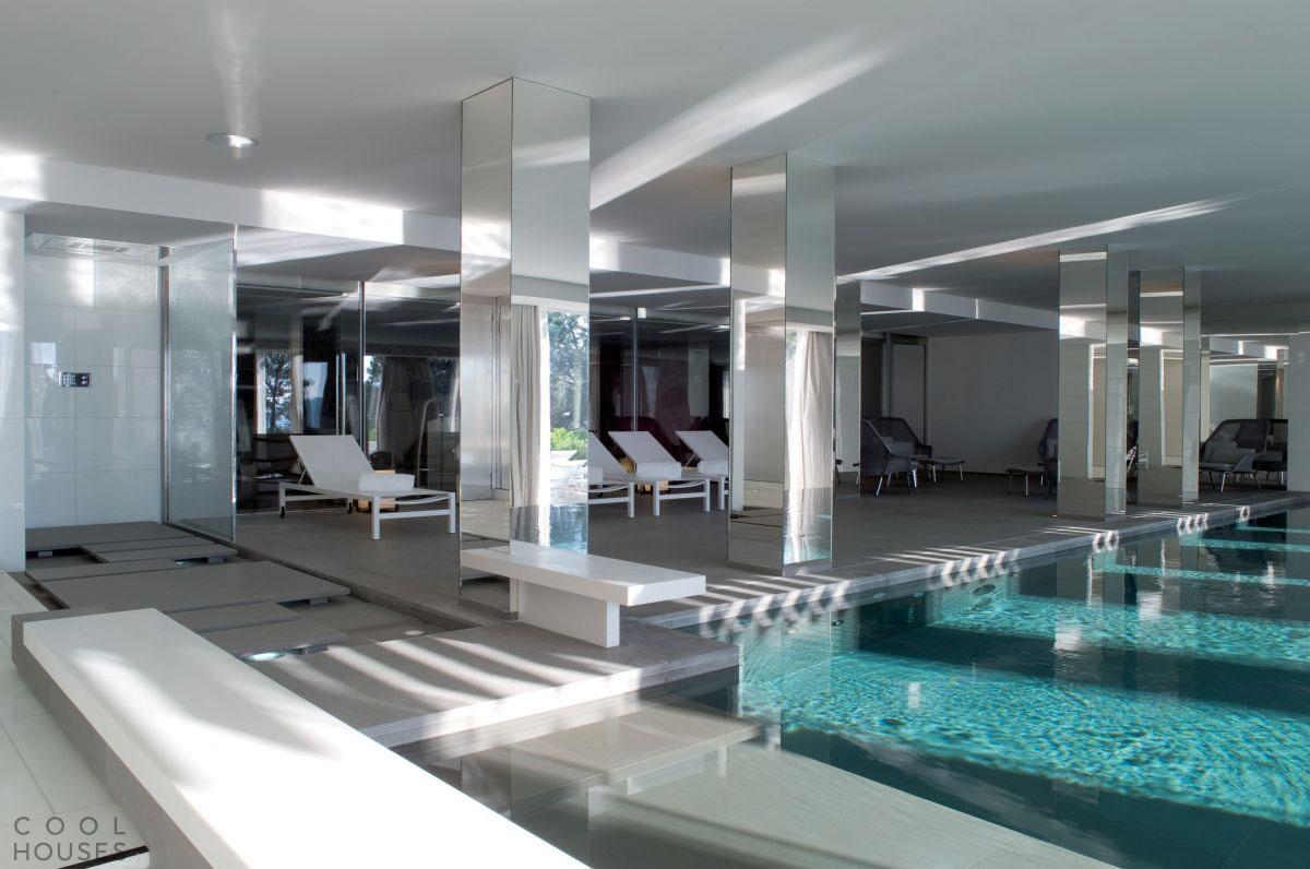 Фешенебельный пятизвездочный комплекс La Réserve в Сен-Тропе