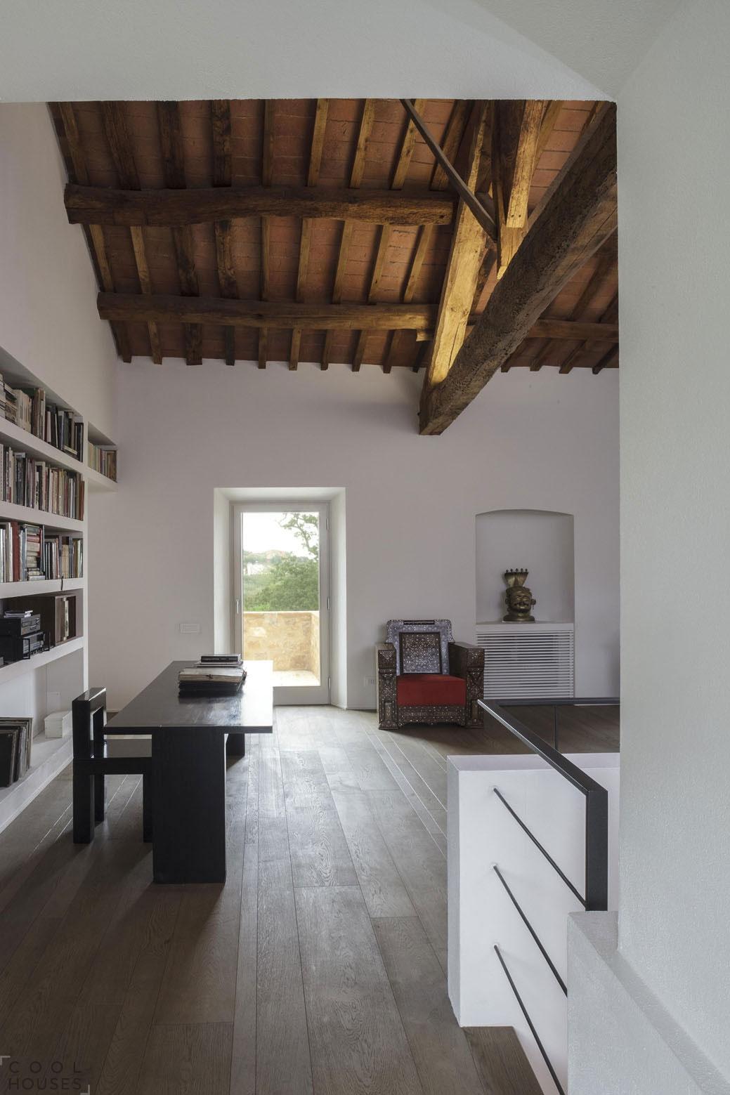 Уютный дом в старом стиле от студии VPS Architetti