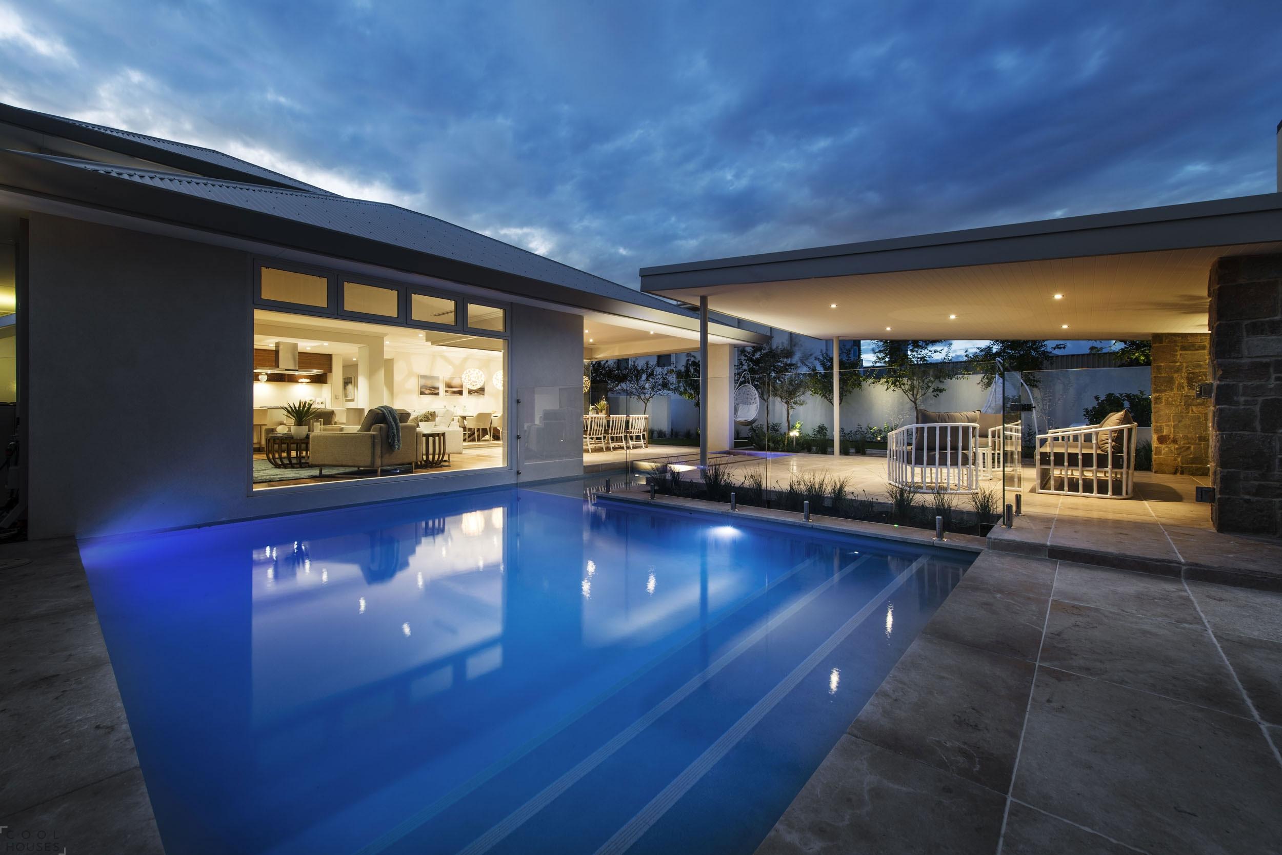 Великолепный современный дом в курортном городке Австралии