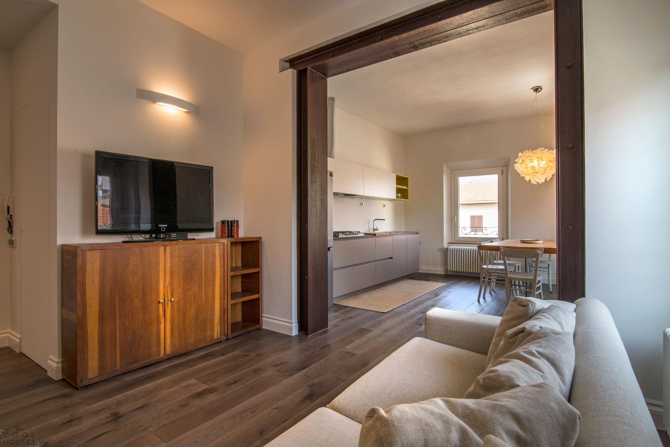 Современная квартира с элегантным интерьером на побережье Тирренского моря, Италия