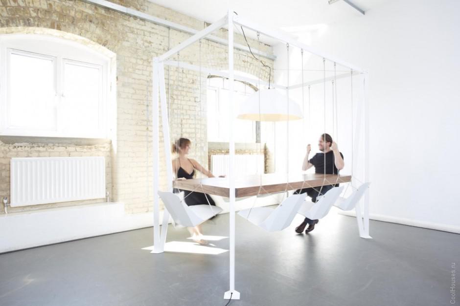 Оригинальный стол для веселого обеда