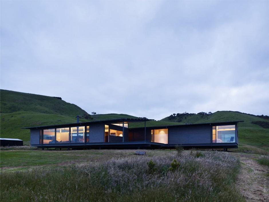Одинокий дом среди холмов