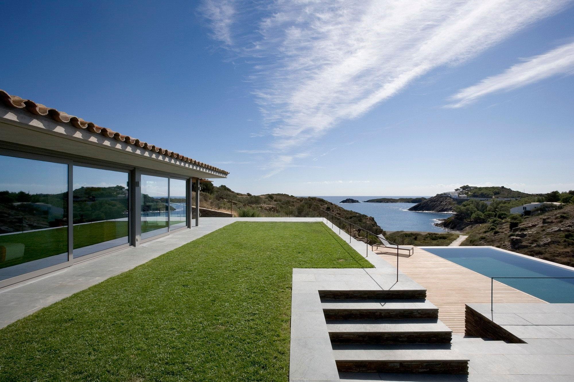 Оригинальная вилла в Испании с прекрасным видом на океан