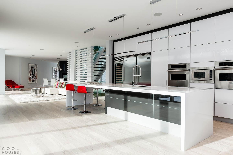 Роскошный двухэтажный особняк в Торонто