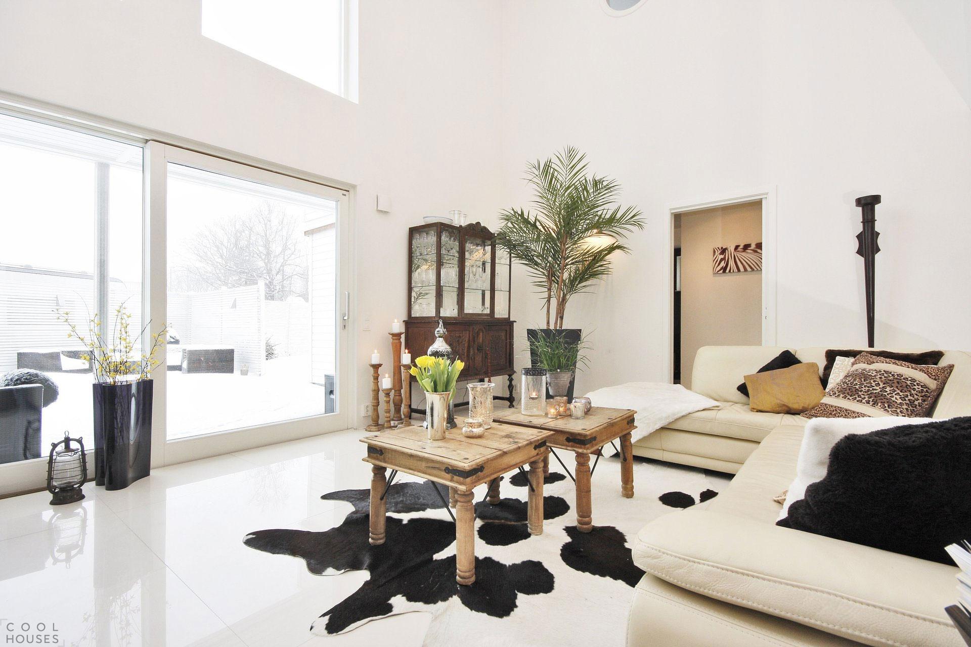 Стильный дом в небольшом городке в Швеции