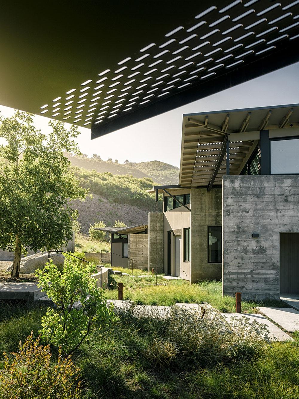Великолепный загородный дом с шикарным видом
