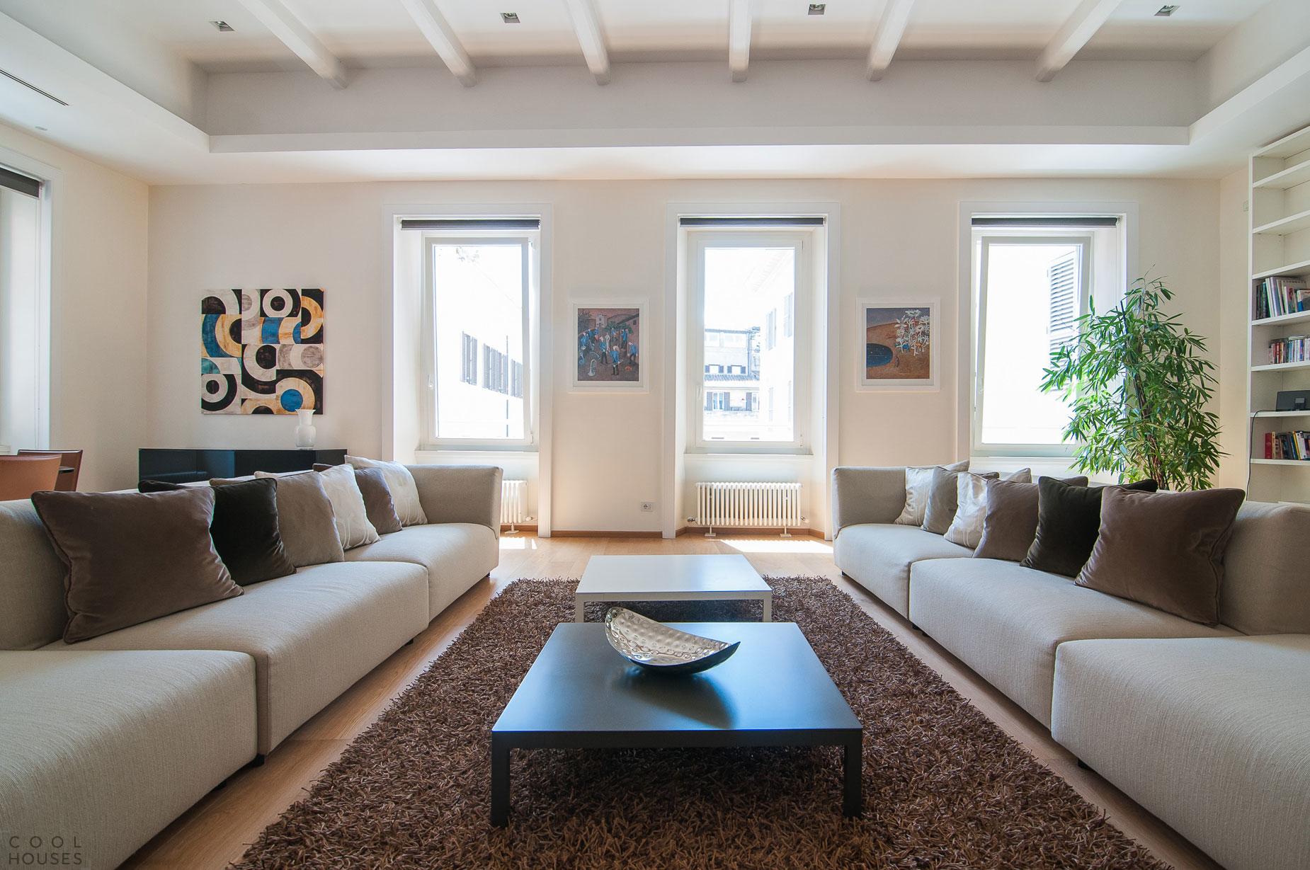Интерьер квартиры в современном стиле в Риме, Италия