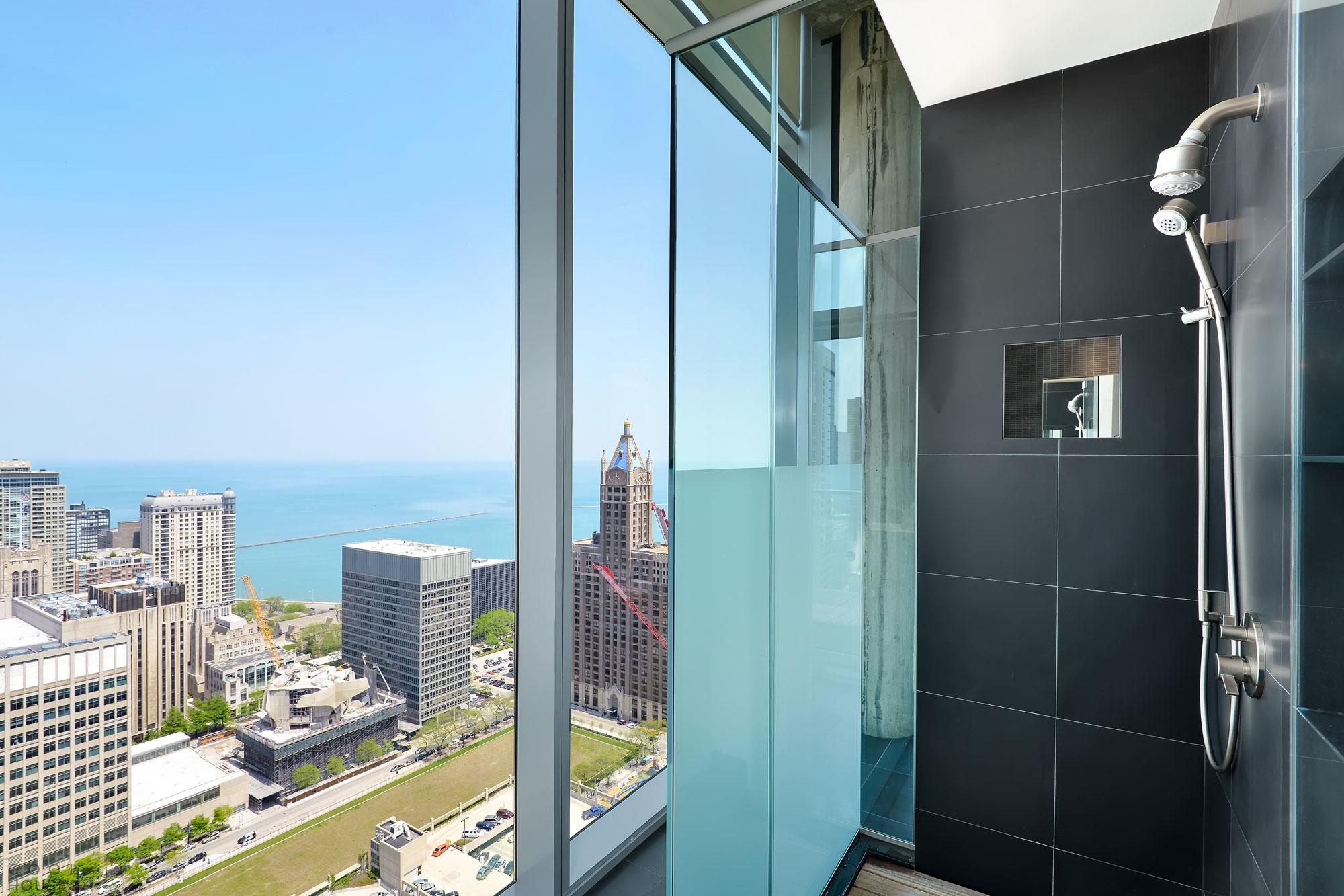 Потрясающие апартаменты в одном из небоскребов Чикаго, США