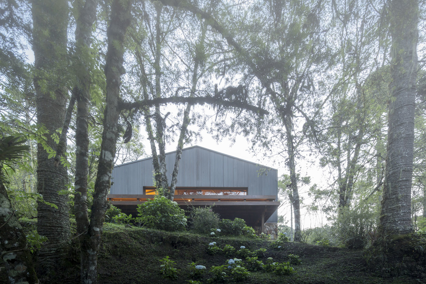 Загородная резиденция Casa Mororo в стиле бразильского минимализма